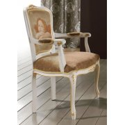 Zeta Patterned Upholstered Classic Chair